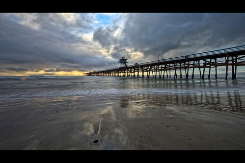 ocean california sunset sky usa cloud seascape reflection beach rain canon landscape pier twilight unitedstates perspective wave wideangle orangecounty sanclemente ef14mmf28liiusm eos5dmarkii