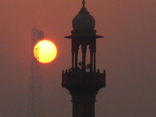 india sunrise minaret delhi mosque communicationstower paharganj theindiatree worldtrekker