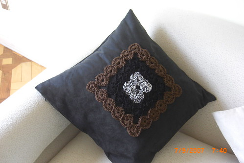 PILLOW IN CROCHET