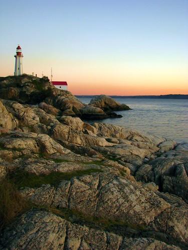 ocean sunset lighthouse canada color beach vancouver seaside rocks britishcolumbia pacificocean shore westcoast seashore phare pharos ruleofthirds