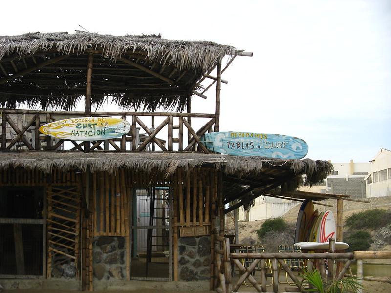 Santa Elena_Escuela de Surf y Natacion en Chuyuipe
