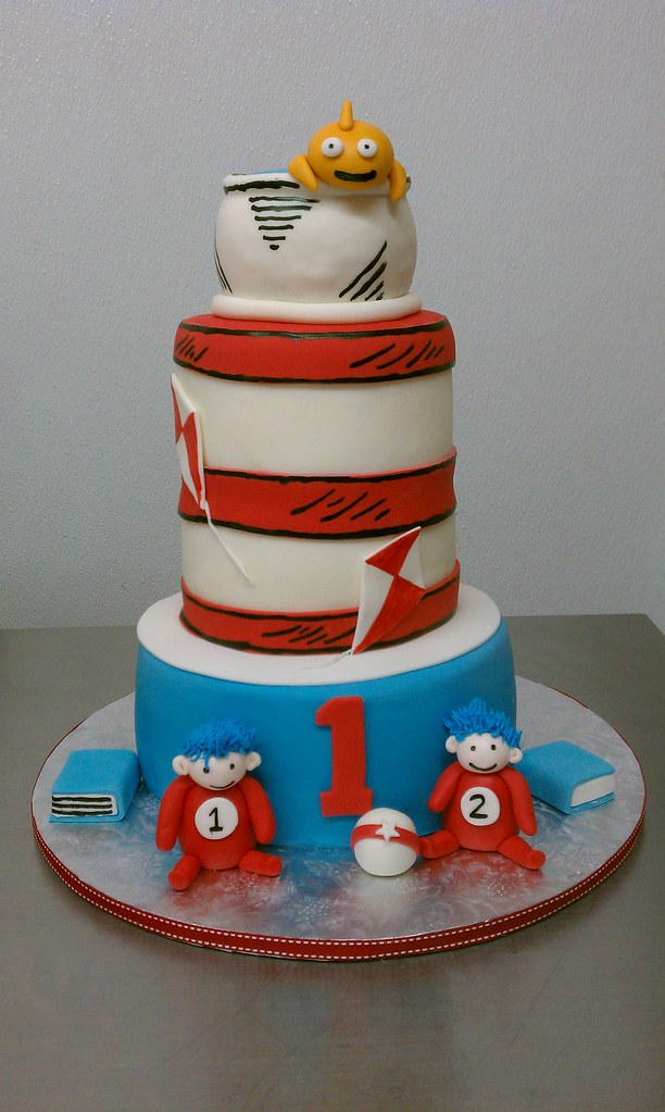 Fine Cat And The Hat Thing 1 Thing 2 Birthday Cake Clarissa Lopez Funny Birthday Cards Online Aboleapandamsfinfo