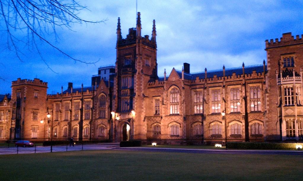 Queen's University at night | redlancers34 | Flickr