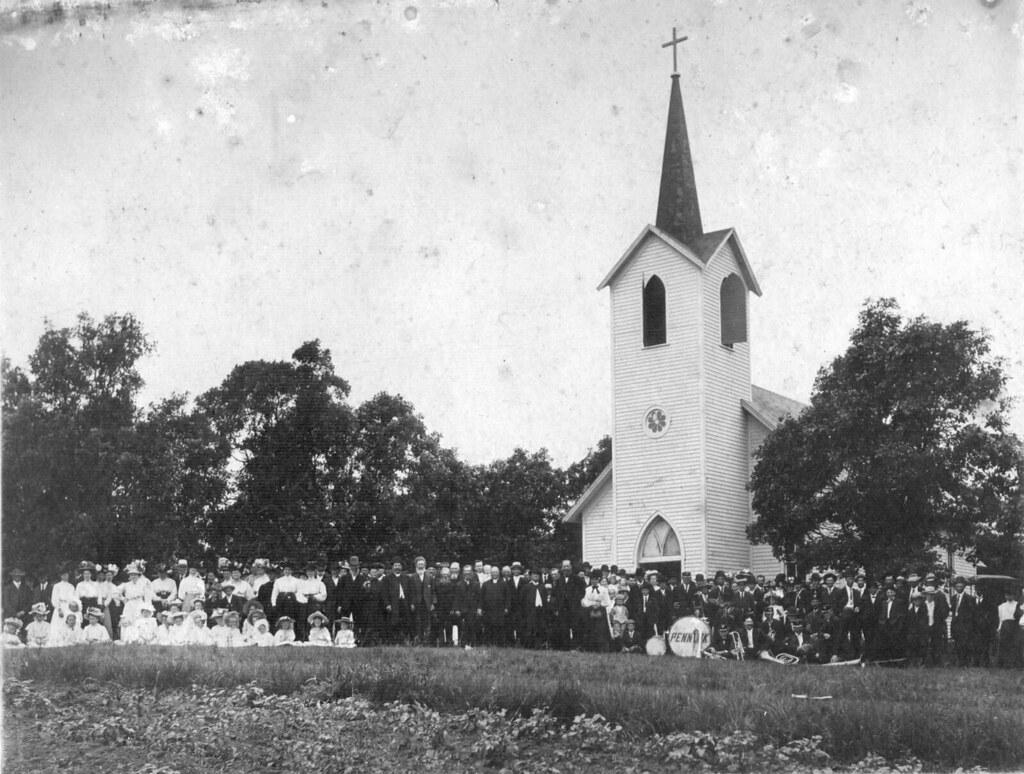 Mamrelund Church with Pennock Band