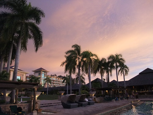 Brunei Sunset at the Empire Hotel pool | by ngotoh