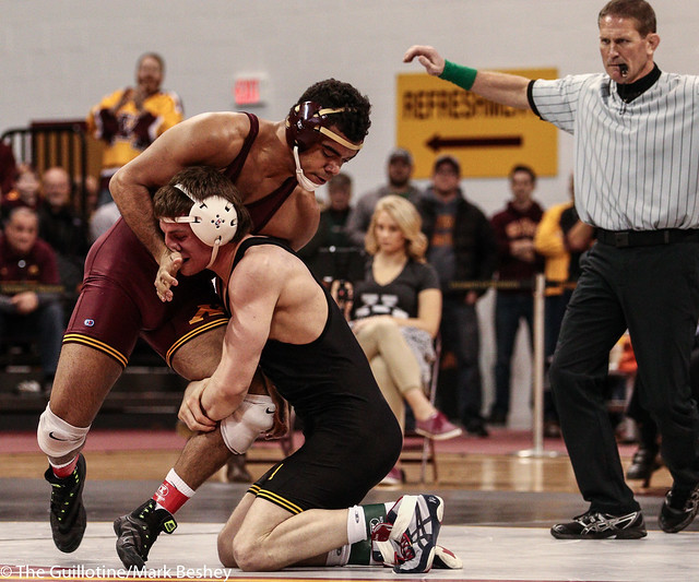 184: No. 5 Sammy Brooks (Iowa) maj dec Bobby Steveson (Minn), 10-2 | Minn 0 – Iowa 19