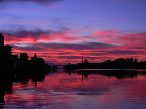red pink sunrise dawn morning kayak kayaking northpalmbeach florida palmbeachcounty icw intracoastalwaterway nikon coolpix redskyatmorning