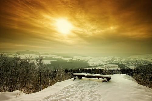 schnee winter sunset sky sun snow forest landscape deutschland sonnenuntergang view sundown himmel aussicht landschaft sonne wald niedersachsen dransfeld hoherhagen geo:lon=976122300