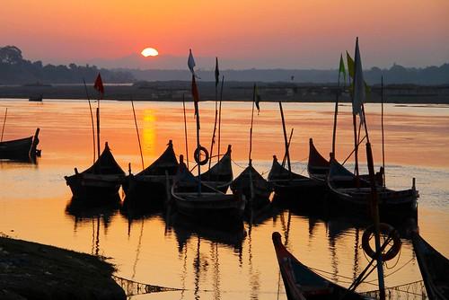 sunrise johannes manjrekar narmadariver gujaratindia chanod