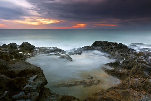 longexposure light sunset sea sky bali seascape beach nature water canon indonesia landscape rocks shoreline westcoast canggu efs1022mmf3545usm outdoorphotography canoneos50d tropicaliving surfingspot pererenan hitechfilters pererenanbeach singhrayvarinduo
