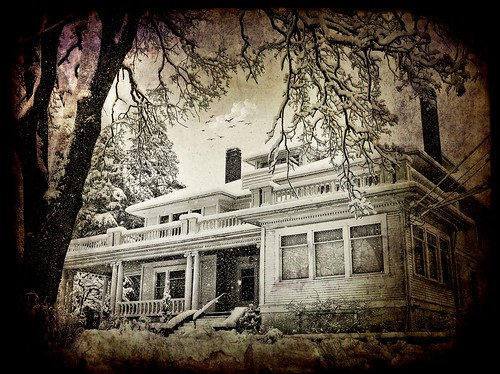 winter house snow spooky rockland gillespieplace