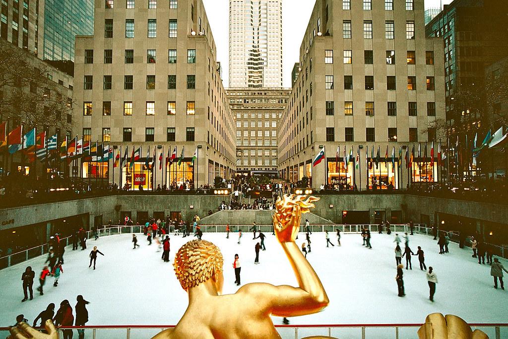 Camera Rockefeller Center : Rockefeller center ice skating bessa l camera voigtlaenu flickr
