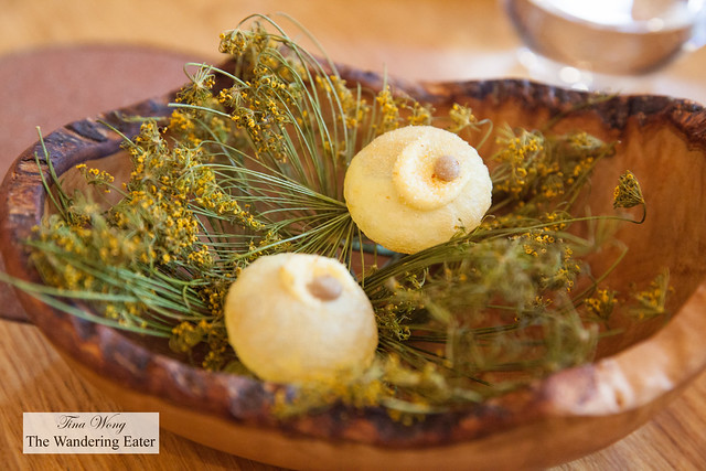 Puffed potato, fennel, anchovies (third snack)