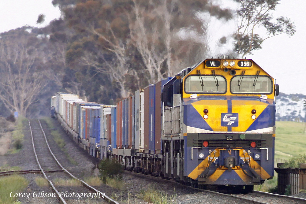 VL356 & VL355 roll through Berrybank by Corey Gibson