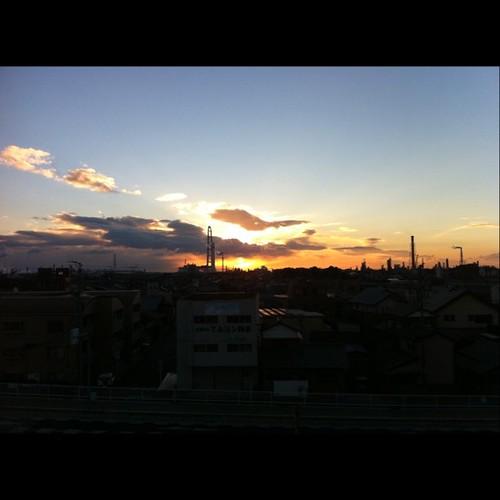 magic hour uploaded:by=flicksquare foursquare:venue=4ca1b691542b224bb88810a0 geo:lat=34978675 geo:lon=136627559
