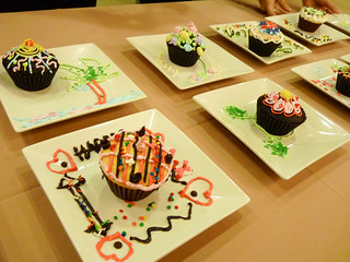 Cupcake Designs made by others at Max's Corner Bakery | by karlaredor