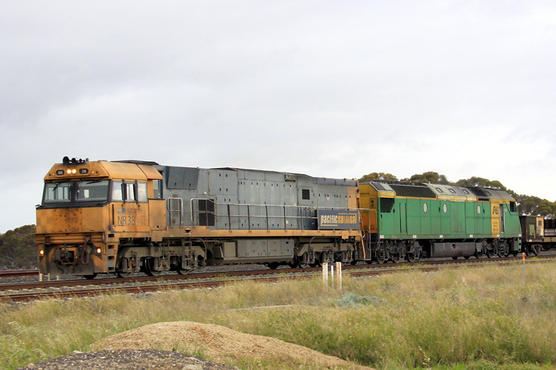 NR38 & AN7 with the Steelie at Manor Loop by Corey Gibson