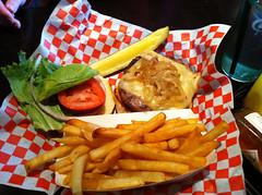 金, 2011-03-18 12:37 - Hop GardenのAlpine Burger