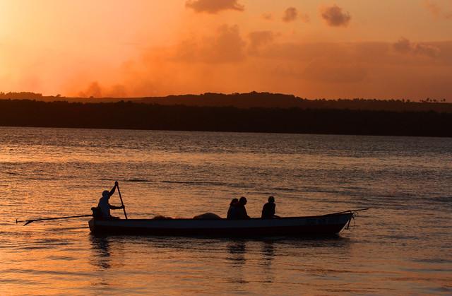 Pôr do sol na praia do Jacaré, Cabedelo, Paraíba, Brasil.