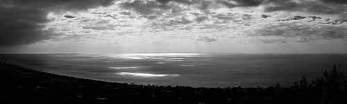 Light dancing on Port Phillip Bay | by will_hl