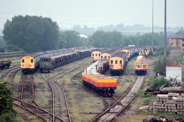 Withdrawn Class 307s & EPBs at Banbury