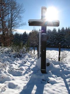 """Croix de """"Vire Autour"""" sous la neige"""