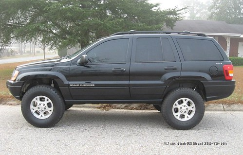 Wj Grand Cherokee With Iro 4 Lift And 285 75 16 S An Album On Flickr