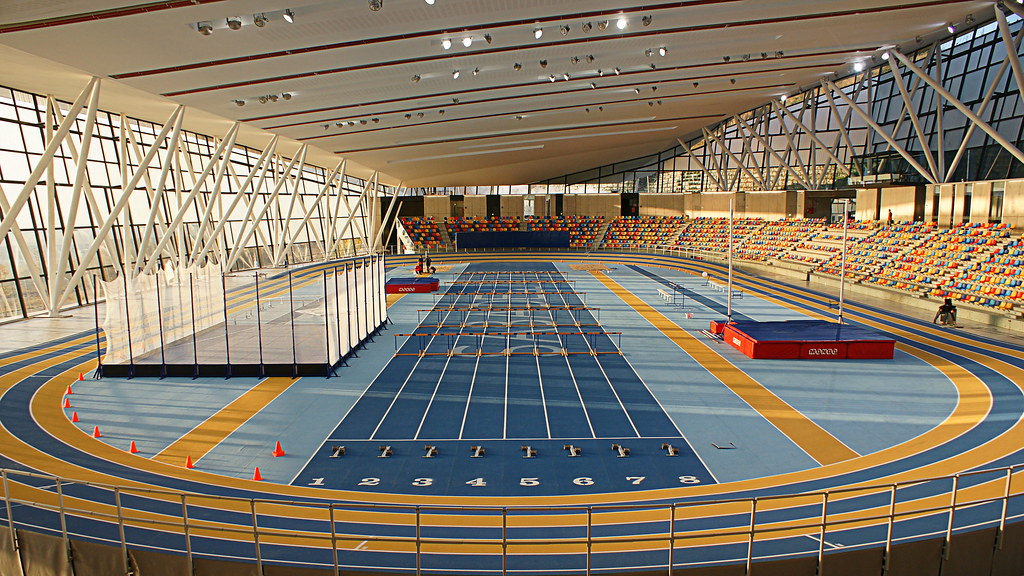 Resultado de imagen de pista cubierta de atletismo de cataluña sabadell