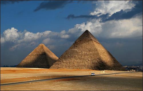 pirámidesdeegipto egyptpyramids keops kefrén micerino gizeh giza esfinge granesfinge esfingedegizeh pirámides pyramid pyramids mezquitamehemetalí mehemetali mezquita mezquitas mosque falucas rionilo nilo nile thenile aswan valledelosreyes templodephilae philaetemple egipto egypt nubia pueblonubio nubios elcairo monumentos monuments eloyrodríguez gettyimages