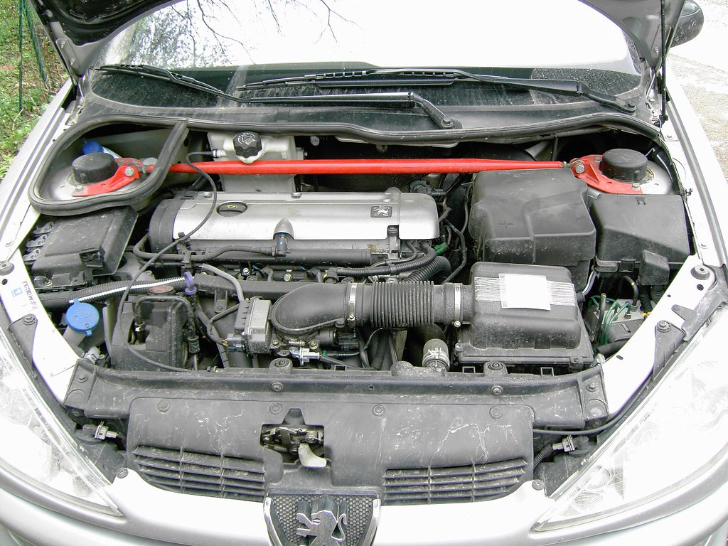 Peugeot 206 Gti Engine Bay With Sparco And K N Filter Flickr