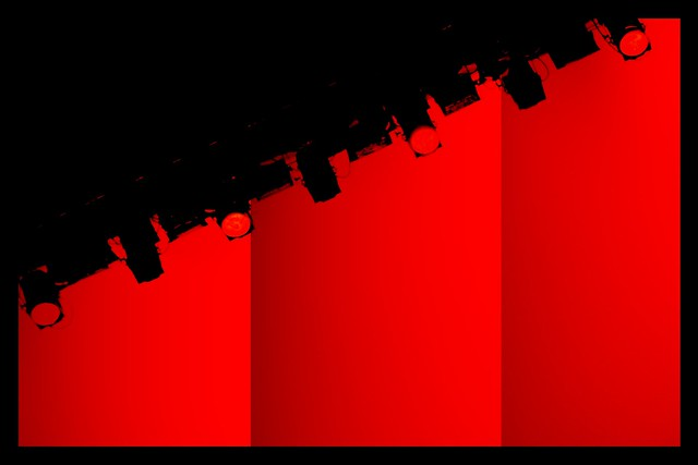 Show must be RED
