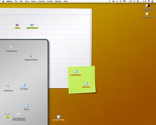 Layered Desktop in use | by GabrieI R.