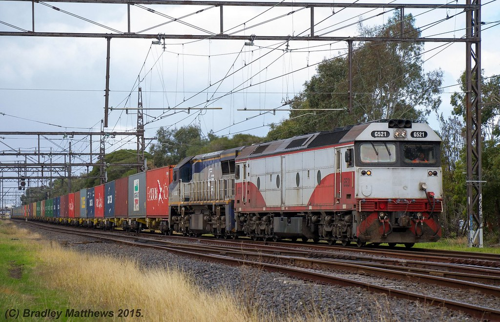 G521-VL362 with 9476 up Qube (APM) Maryvale paper train near Oakleigh (17/7/2015) by Bradley Matthews