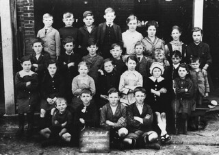 Schoolchildren, Thurgoona Public School, NSW, 22 September 1920