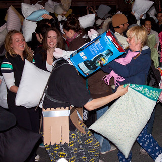 Pillow Fight Toronto 2011 | by thelearningcurvedotca