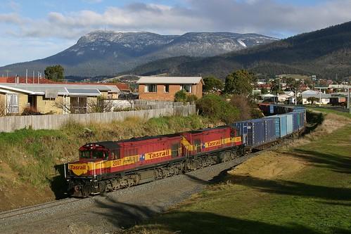 train gm tasmania claremont mtwellington dq 2007 freighttrain emd tasrail tasmaniantrain
