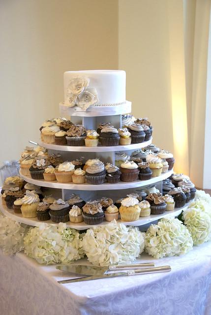 W9009 - wedding cake cupcake tower toronto