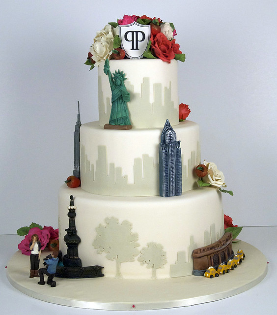 W9051- new york city wedding cake