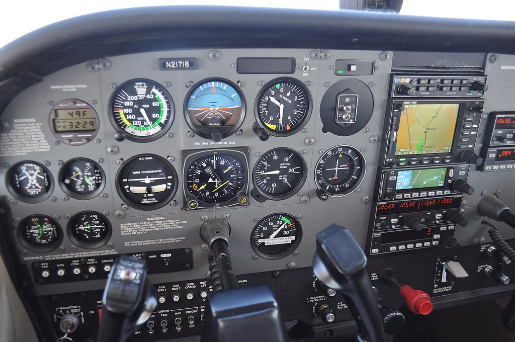 Cessna 172 Instrument Panel | Taken while flying to Prescott