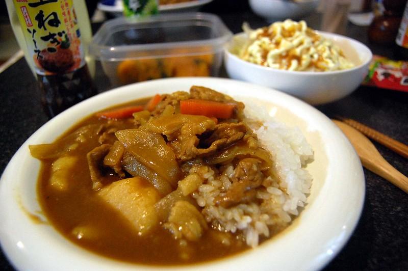 カレーって美味しいですね。同居人作。隠し味は玉ねぎソースだそうですよ! #jisui
