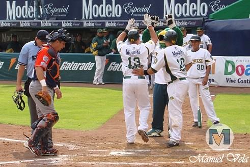 DSC09918 Pericos de Puebla vs Tigres de Quintana Roo (2do Juego de la Serie) por Lyz Vega para LAE Manuel Vela