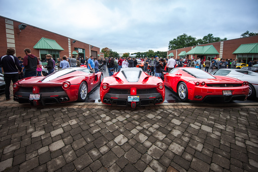 Lake Forest Sports Cars >> Lake Forest Sports Cars 2016 Ferrari Enzo Parked Next To F