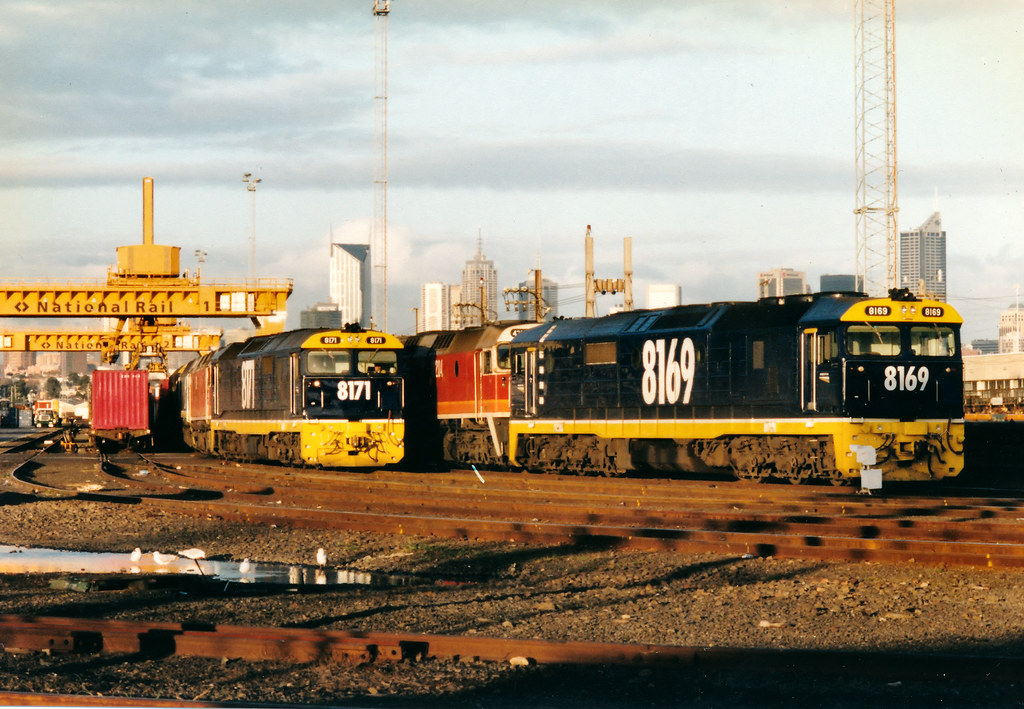 8169 42204 6MB4 8171 42218 42211 8022 6MS4 Melbourne Freight Terminal 07 06 1996 by Daven Walters