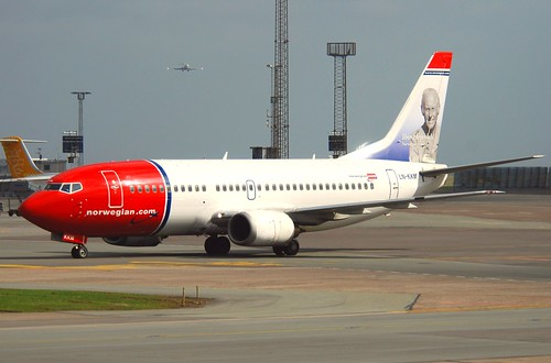 Norwegian Air Shuttle Boeing 737-3Y0; LN-KKM@CPH;08.04.2011/593ez | by Aero Icarus