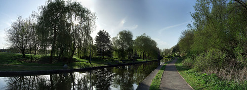 Bottom of Middleport Park, Trent & Mersey Canal. April 2011. | by Futurilla