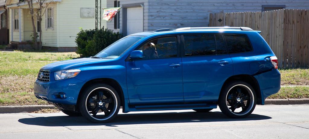 Blue Toyota Highlander With Custom Black Rims Tor Flickr