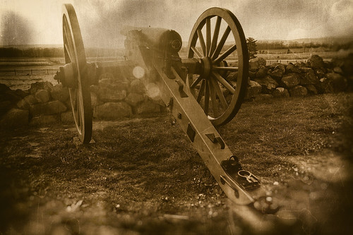 gettysburg battlefield us civil war pennsylvania national monument cannon sunset flare oldfashioned effects retro history sepia