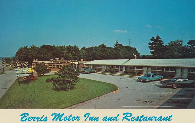 The Cardboard America Motel Archive: Berris Motor Inn and
