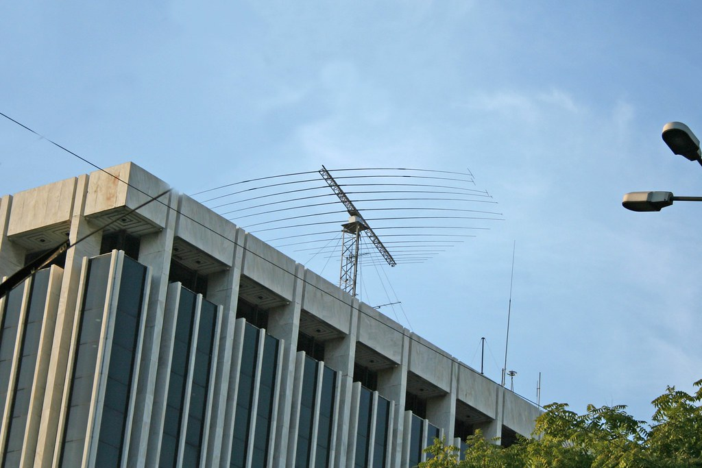 HF Log Periodic antenna in Athens II | Photo by John Costell… | Flickr