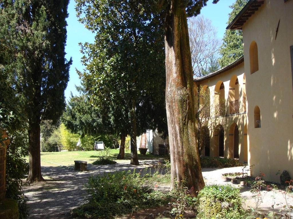 Giardino Di Una Casa giardino della casa di giovanni pascoli   a castevecchio